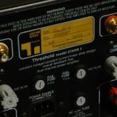 RCA jack は WBT製 に交換、FUSE box も高信頼パーツに交換されています。