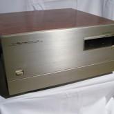 ラックスマンのセパレートタイプ D/A コンバーターです。