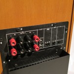 スピーカーレベル入力・ラインレベル入力(RCA)を選択可能です。