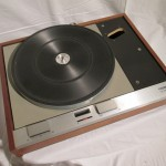 Thorens TD-125mk2 record player (tone-arm less)