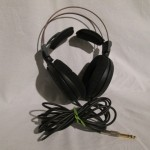 Audio Technica ATH-AD2000 dynamic stereo headphone