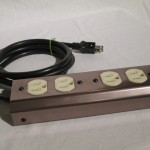 CSE P-22 AC outlet power splitter