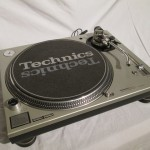 Technics SL-1200mk3D alalog disc player