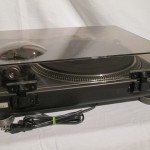 Technics SL-1200mk4 analog disc player