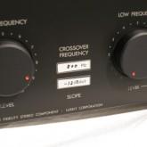 クロスポイントは 500Hz、スロープ角 12dB/oct です。