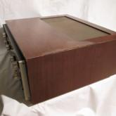 製品横部です。WCの吸水によるダメージは角突き当て部にあり、角に隙間ができてます。