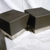 製品側面部です。シャーシのめっき部分はしみなどのダメージがあります。