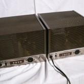 製品背面部です。入力は RCA 、出力は端子台(ねじ式)です。
