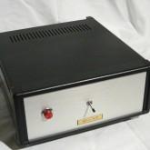 BELL AIR 製アップグレード電源が付属します。純正電源も別途付属します。