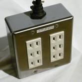 ケーブル・タップはオヤイデ電気製のものが付属しています。