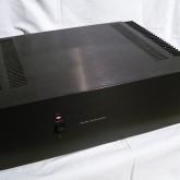 JBL ブランドの 2ch パワーアンプです。