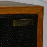 特に最初期の製品はゴールドプレートロゴです。