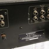 入力はRCA 1系統、出力は low/mid/high 各1系統です。