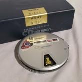 walkmanシリーズ 発売20周年記念モデルです。