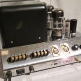 入出力部です。レプリカモデルなのでXLR入力があります。