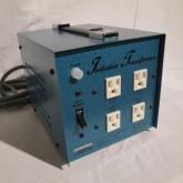 AC100V → AC115V に昇圧するトランスです。トータル 600VA以下でご使用いただけます。