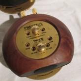 ペアとなる固体も上面の金属板には黒ずみ・汚れしみがあります。