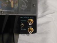 入力端子は RCA のみです。左側のトグルスイッチでの切り替えにより stereo / bridge mono が選択できます。