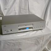 CEC のお手ごろ価格のCDプレーヤーです。独自の LEF A級アナログ出力回路で温かみのある音色を提供します。