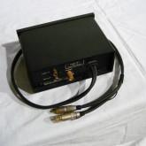 製品は70cm出力ケーブルが付いています。