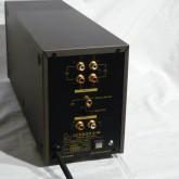 製品背面の写真です。写真右下にはAC phase cheker が装備されています。