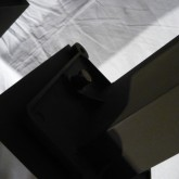 スピーカースタンド脚部にはピンスパイク(純正品付属)が装着可能です。