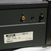 デジタル出力は SPDIF / EIAJ が装備されています。