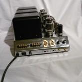 端子部です。XLR inputs があるのがレプリカの特徴です。