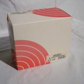 元箱など、付属品はすべてそろっています。メーカー保証も通常通り付与されます。