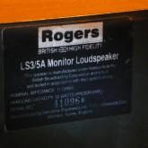 製品名板の拡大写真です。この製品は 11Ω 仕様です。