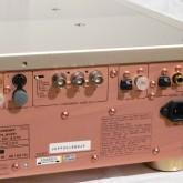 デジタル・映像出力部です。映像出力はコンポーネント(BNC×3)です。