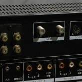 VHF/UHF が独立しています。接続の際はご注意ください。