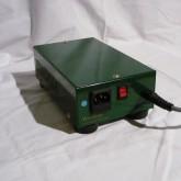 電源スイッチは不規則に点滅します。