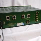 製品背面部です。XLR 入出力端子も各1系統装備されています。
