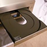 トレイを開けた状態です。この機器はLD専用機です。CD対応ではありません。