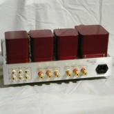 入力は RCA 3系統、スピーカー出力は4Ω/8Ω切替、IEC320電源入力です。