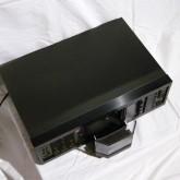 テープホルダーはこのように開きます。