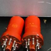 前段は 5693×2 です。RCA メタル管(赤)が装着されています。