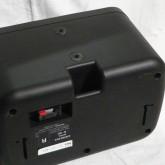 製品下部には三脚スタンドなどを利用できるポートがあります。