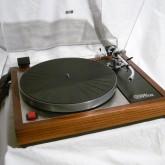 オーディオ史上でももっとも有名な機器の一つ LINN LP12 。今後もその人気は衰えることがないでしょう。