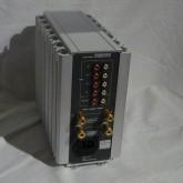 製品背面部です。入力4系統・録音出力1系統・スピーカー出力1系統です。
