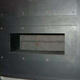 ユニット下部のダクトの状態です。ダクトバッフルの着脱も可能です。