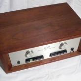 wood case も良い状態が保たれています。