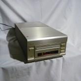 エソテリックのセパレート型CDシステムです。