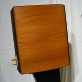 製品両サイドの木製パネルも非常に良い状態です。