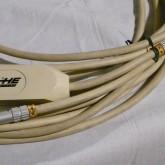 ケーブルには全体に使用感・汚れなどがあります。