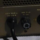 オリジナルモデルは 117V が標準電圧です。