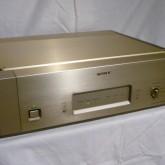 SONY のセパレートCDシステムの最終型D/Aコンバーターです。