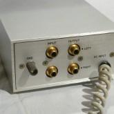 製品背面部です。電源部とつながるケーブルは外せない構造です。