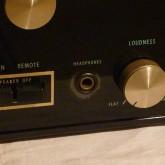 [headphone]端子周辺にバブルがあります。